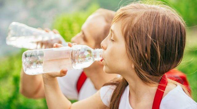 ดื่มน้ำเปล่าตามช่วงเวลา 3 เคล็ดลับดื่มน้ำเปล่าอย่างไรให้ผิวสวยดูอ่อนเยาว์ เพื่อให้ผิวสวยดูอ่อนกว่าวัยหากเพื่อน ๆ คนไหนอยากใบหน้าดูเด็ก